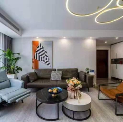 178m²陈旧欧式老房变身现代简约新空间,简单而奢华的都市风情(客餐厅)